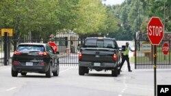 2014年8月25日弗吉尼亚州李堡: 一女兵在陆军基地开枪自杀
