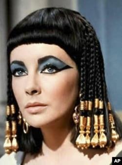 伊利莎白.泰勒在《埃及艳后》中的剧照
