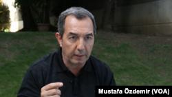 Venezuela Siyasi Araştırmalar Merkezi Direktörü Benigno Alarcon
