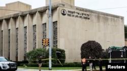Sinagog Tree of Life di Pittsburgh, Pennsylvania, lokasi terjadinya penembakan massal, Sabtu (27/10).