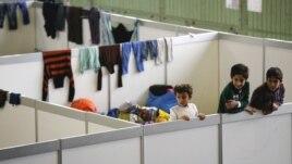 Një aeroport i Berlinit strehim për refugjatët