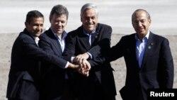 Los presidentes de México, Felipe Calderón; Colombia, Juan Manuel Santos; Perú, Ollanta Humala y de Chile, Sebastián Piñera, firmaron la Alianza del Pacifico para impulsar la integración económica.