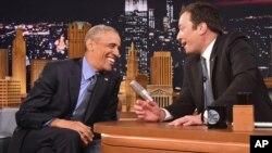 """Tổng thống Barack Obama và người dẫn chương trình """"The Tonight Show"""" Jimmy Fallon tại NBC Studios ở New York, ngày 8/6/2016."""