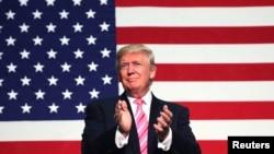美国共和党总统候选人唐纳德·川普在美国维吉尼亚州的竞选大会上(2016年8月20日)