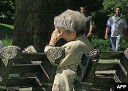 O'ziga to'q jamiyatlar, masalan Yaponiyada, ruhiy tushkunlik ham kattalar, ham yosh avlod orasida ko'p uchraydi