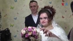 Down Sendromlu Genç Kıza Damatsız Düğün