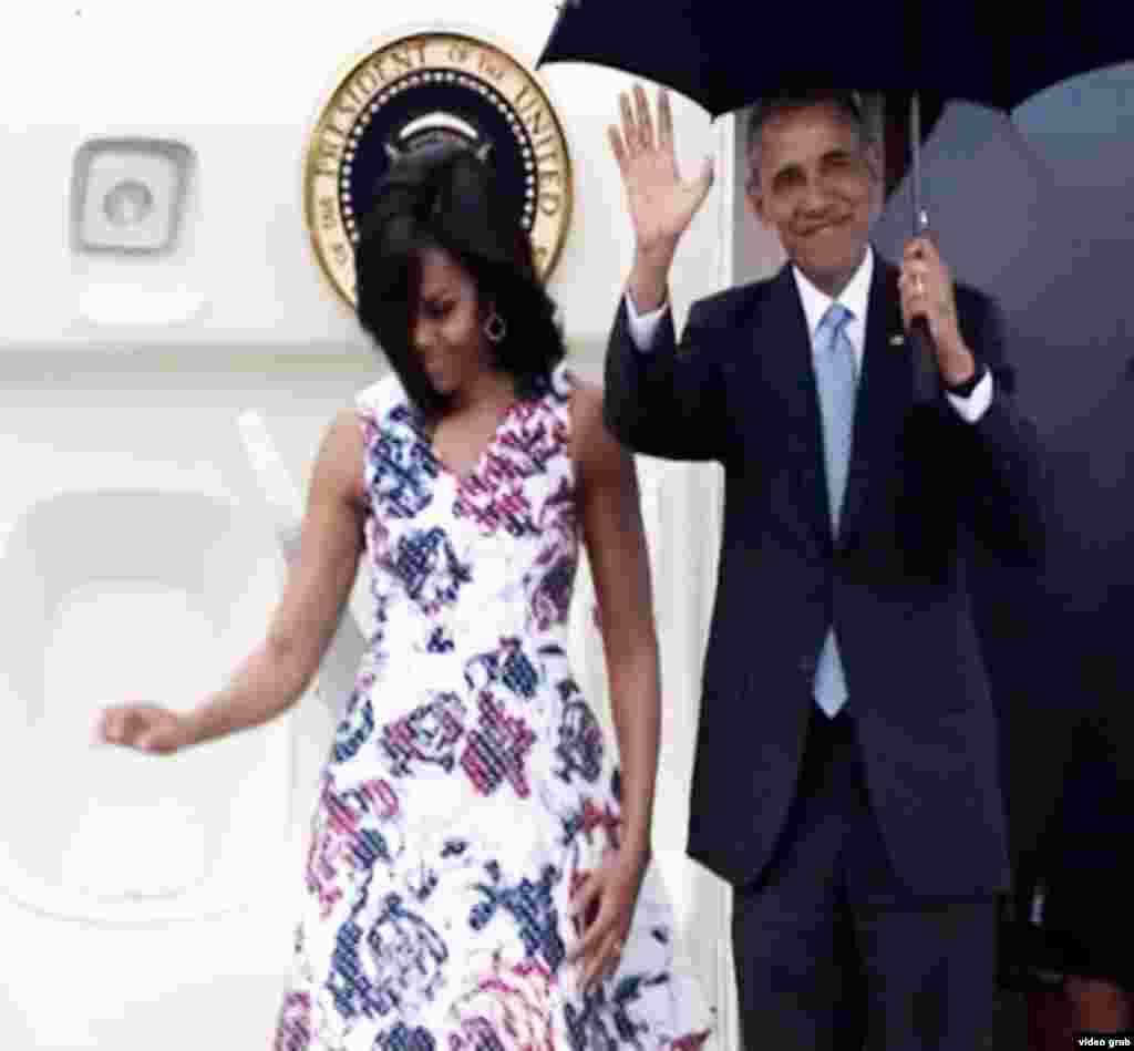 امریکہ کے صدر براک اوباما اپنے تین روزہ دورے پر اتوار کی شام ہوانا کے جوز مارٹی انٹرنیشنل ایئر پورٹ پہنچے۔