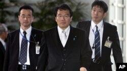 일본의 납치 문제 담당상마쓰바라 진(가운데) (자료사진)