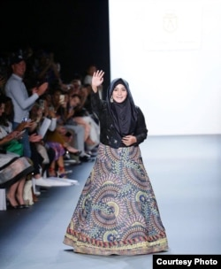 Anniesa Hasibuan saat menghadiri New York Fashion Week (NYFW) 2016. (foto: courtesy).