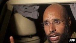 Tripoli, shfaqet i biri i Moamar Gadafit, Seif al-Islam, luftimet vazhdojnë