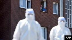 Testim derë më derë i banorëve në Verl, Gjermani (23 qershor 2020)