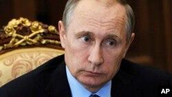 El presidente ruso, Vladimir Putin, ha hecho comentarios que parecen favorecer la elección de Donald Trump como presidente de EE.UU.
