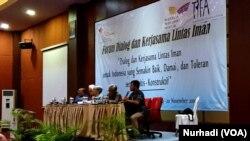 Suasana dialog aktivis lintas iman di Yogyakarta, 19-20 November 2019. (Foto:VOA/ Nurhadi)