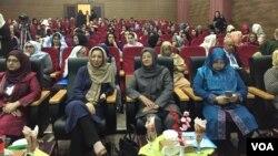 در این سمپوزیم، صحبت های رولا غنی، بانوی نخست افغانستان نیز توسط نوار ویدیویی به نشر رسید.