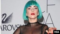 En 2010, Lady Gaga recibió 13 nominaciones para estos premios, de las cuales se llevó ocho.