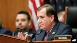 Dân biểu Ed Royce thuộc đảng Cộng hòa, Chủ tịch Uỷ ban Đối ngoại Hạ Viện
