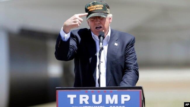 """Trong chiến dịch tranh cử của mình, ứng cử viên Donald Trump từng nhiều lần chỉ trích Việt Nam """"đánh cắp"""" việc làm tại Mỹ."""