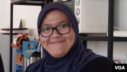 Aldila salah satu pekerja di Kopi Tuli