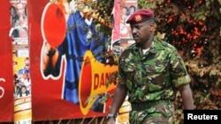 Meja Jenerali,Muhoozi Kainerugaba, mtoto wa kiume wa Rais Yoweri Museveni wa Uganda.