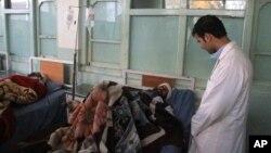 این حمله حوالی ساعت ۲:۳۰ بعد از ظهر امروز در مقابل نمایندگی کابل بانک در شهر لشکرگاه صورت گرفت.