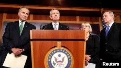 2013年10月16日参议院多数党领袖哈里·里德在华盛顿美国国会表决后发表讲话