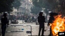 Des incidents ont eu lieu en marge de certains rassemblements après la victoire de la France au Mondial 2018, à Lyon, le 15 juillet 2018.