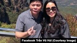 Luật sư Trần Vũ Hải và vợ.