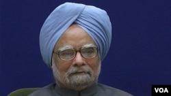 ھارت کے وزیر اعظم من موہن سنگھ (فائل فوٹو)