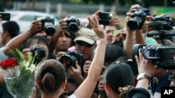 Biểu tình phản đối vụ đảo chính bên ngoài Đại sứ quán Australia ở Bangkok, Thái Lan