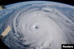 13일 국제우주정거장(ISS)에서 촬영한 허리케인 플로렌스. 대서양에서 미국 동부해안에 접근하고 있다.