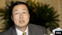 Gubernur Bank Sentral Tiongkok, Zhou Xiaochuan memberikan peringatan soal krisis utang Eropa dalam pertemuan IMF di Washington (24/9).