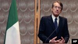 Menteri Luar Negeri Italia, Giulio Terzi (foto: dok) mengatakan negaranya akan mewakili kepentingan Kanada di Iran.