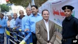 埃及选民在等待投票