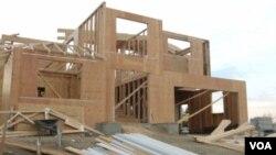 Muchos cuartos, biblioteca, garaje para tres o cuatro carros y piscina pueden ser algunas de las cualidades de estas edificaciones.