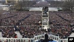 幾十萬人聚集華盛頓的國家大草坪,聆聽奧巴馬的就職演說