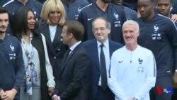 Macron rencontre de l'équipe de France