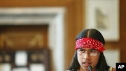 Coloradas Mangas, iz rezervata Mescalero Apache, svjedočio je pred Kongresom o problemu samoubojstava indijanskih tinejđera