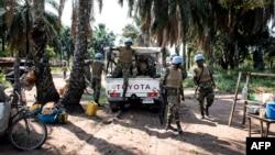 Les soldats ghanéens de la Mission de stabilisation de l'Organisation des Nations Unies en République Démocratique du Congo (MONUSCO) arriventdans un village du district de Kamonia, l'une des zones les plus touchées par les conflits dans la région du Kasa