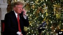 El presidente Trump preguntó a una niña de 7 años en las víspera de Navidad si todavía cree en Papa Noel.