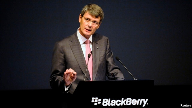BlackBerry Chief Executive Thorsten Heins speaks at the company's annual meeting in Waterloo, Ontario, July 2013.