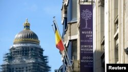 ວິວຂອງພິພິດທະພັນຊາວຢິວ ບ່ອນທີ່ມີການຍິງກັນເກີດຂຶ້ນ ໃນເຂດໃຈກາງນະຄອນຫລວງ Brussels ປະເທດແບລຢ້ຽມ (25 ພຶດສະພາ 2014)