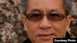 Nhà văn Phùng Nguyễn.