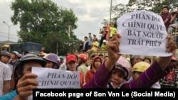 Người dân biểu tình phản đối vụ bắt nhà hoạt động Hoàng Đức Bình; Diễn Châu, Nghệ An, 15/5/2017
