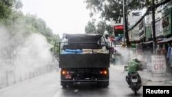 Tẩy trùng giữa mùa dịch covid tại Sài Gòn, 1 tháng Sáu, 2021. Hình minh họa.