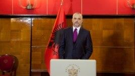 Kryeministri Rama takoi diplomatët e huaj në Tiranë