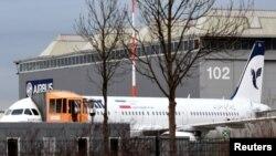 تصویر منتشر شده از رویترز که می گوید هواپیمای آماده تحویل به ایران در پارکینگ ایرباس در آلمان است.