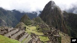 El cuerpo del turista fue llevado por tren a la morgue de la ciudad del Cusco, donde será repatriado.