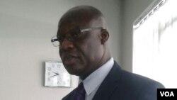Munyori mubazi rehutano, Dr Gerald Gwinji