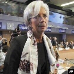 ທ່ານນາງ ຄຣິສຕີນ ລາກາດ ຫົວໜ້າ IMF ຫລື ອົງການກອງທືນສາກົນ.
