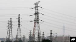 中国首都北京市的一处电网。2017年6月5日资料照。